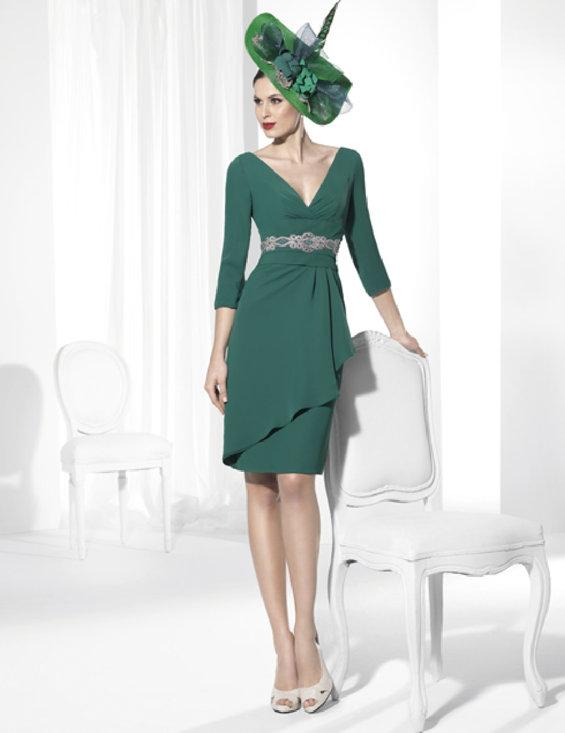 ea6423d22 Prendas de vestir exteriores de todos los tiempos  C a vestidos de ...